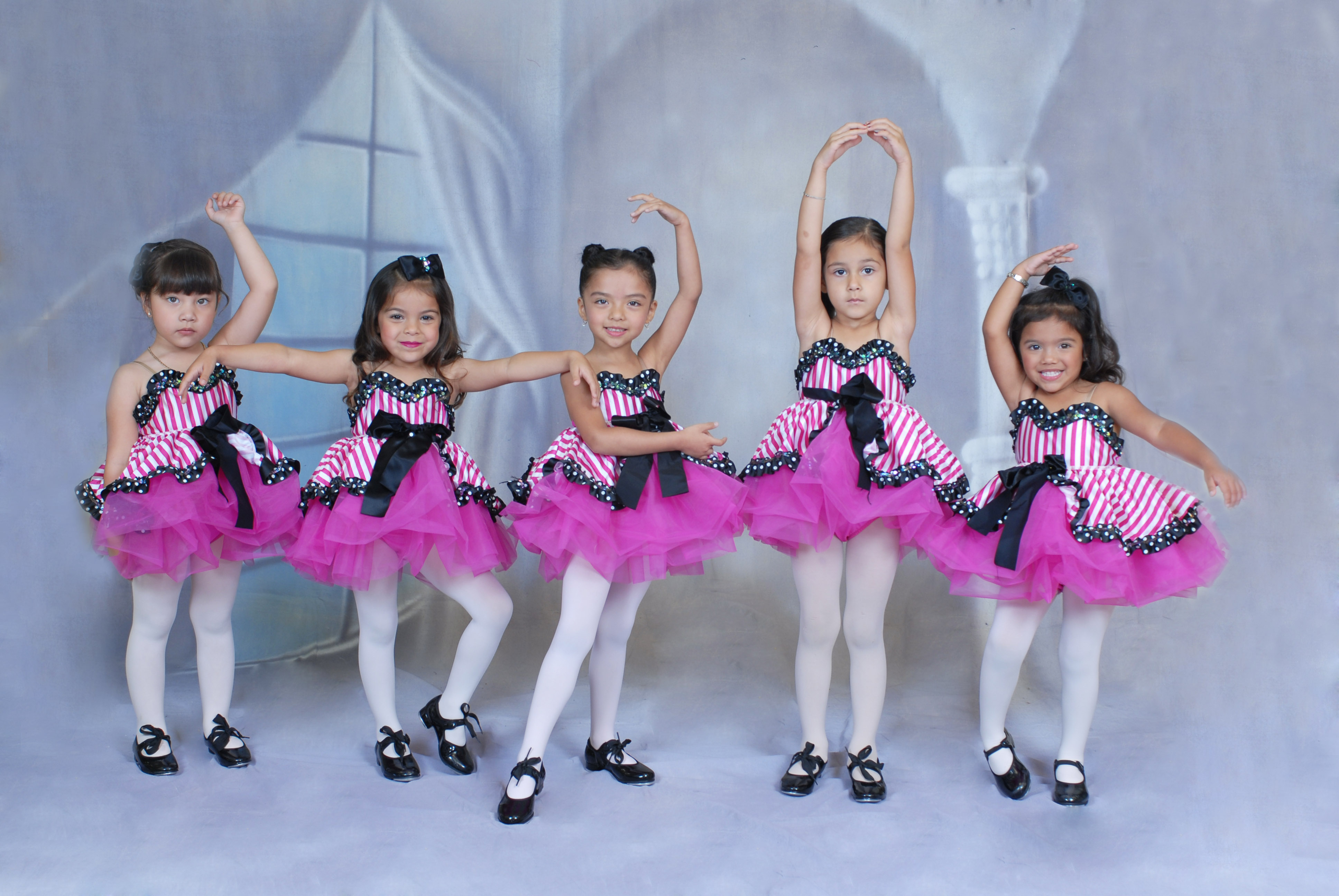 PETITE DANCE A & B   (4-6 yrs)
